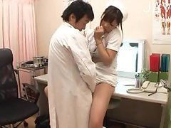 Horny nurse sucks doctors prick