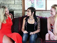 Stepsis Dawn and Scarlet seducing cousin